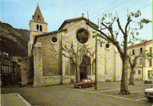 parking devant la cathédrale